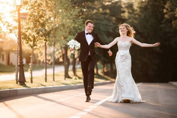 Букет невесты из белых аммарилисов